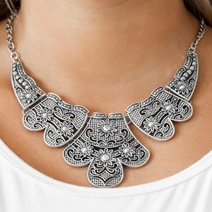 Jewelry - Mess With The Bull - Silver | Necklace